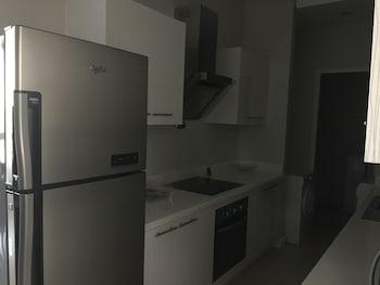 Alicia Apartelle Cebu In-Room Kitchen