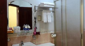 Tan Son Nhat Hotel - Bathroom  - #0
