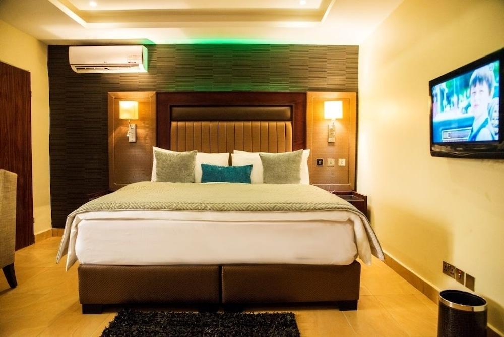 Vynedresa Hotel