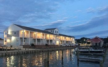 Photo for Anchor Inn in Chincoteague, Virginia