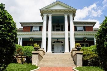 Hill Crest Bed & Breakfast in Clifton Forge, Virginia