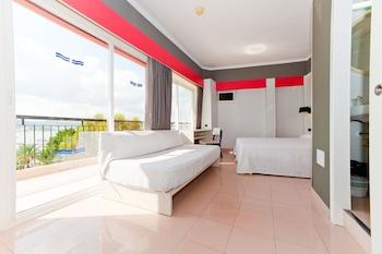 伊比薩氛圍紅色飯店 - 僅供成人入住
