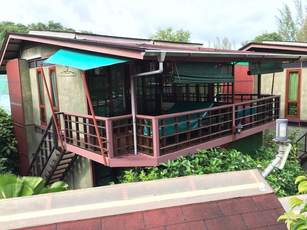 Tstar Cottage