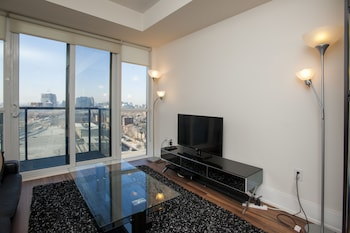 Life Suites Luxury Downtown Condos (495081) photo