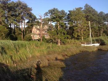Photo for Cypress Moon Inn in Kitty Hawk, North Carolina