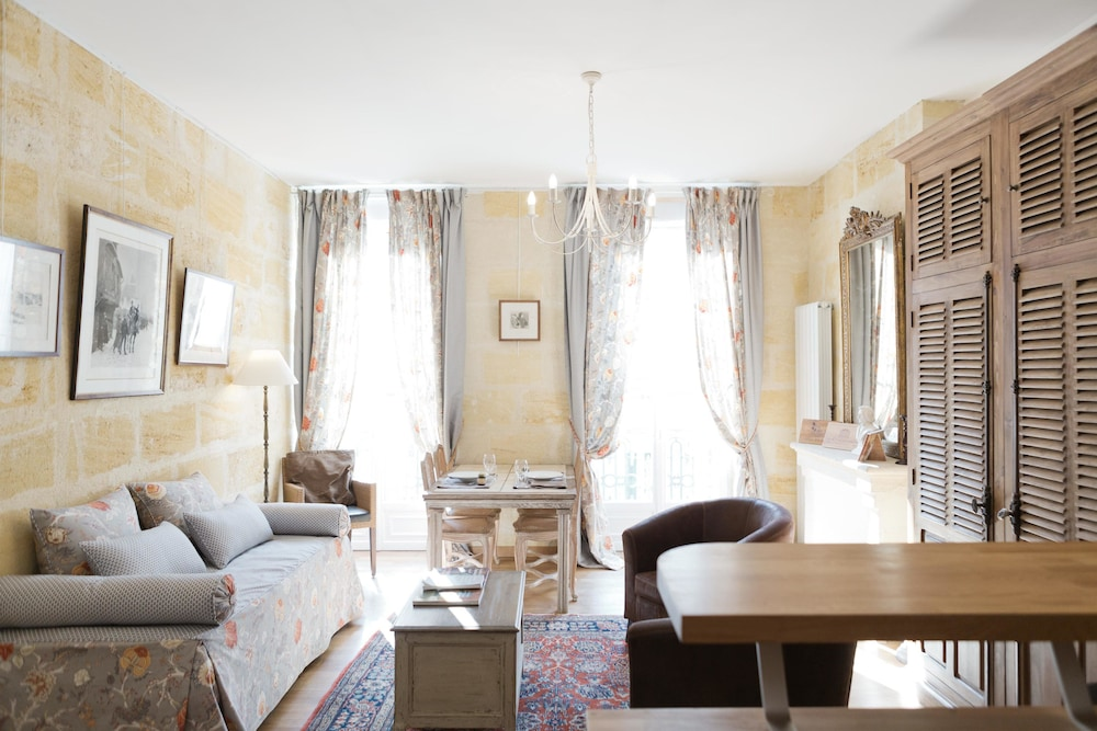 Appartements - Visit in Bordeaux