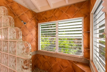 White Bay Villas - Bathroom  - #0