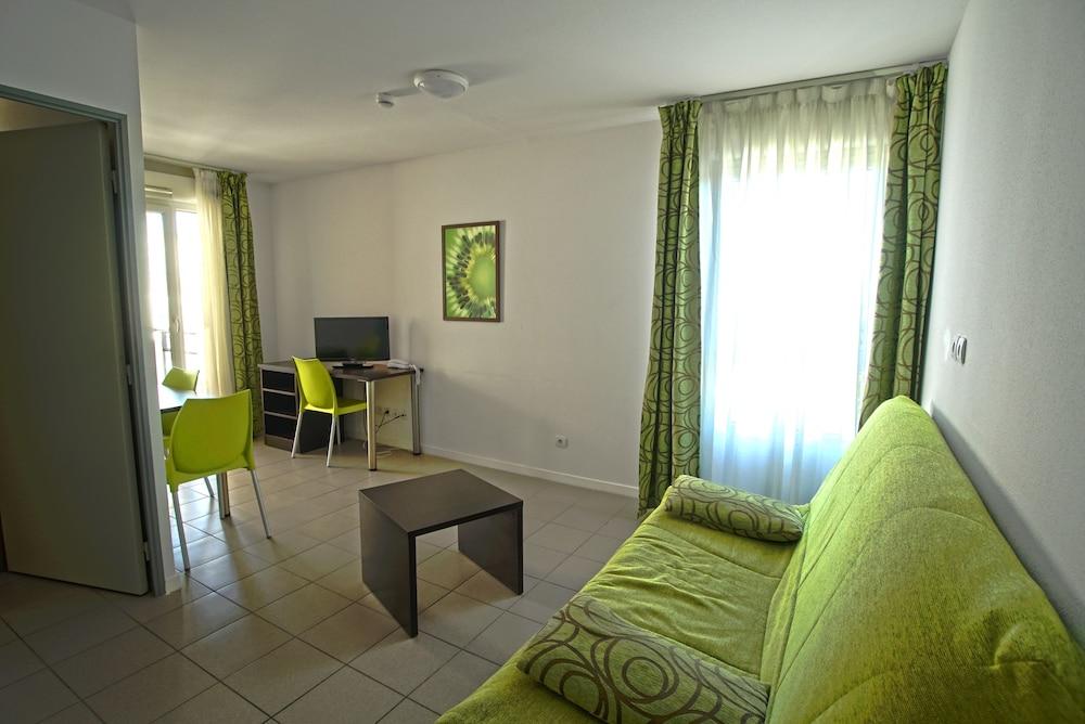 Kosy Appart'Hôtels - Campus Del Sol Esplanade