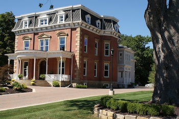 Steele Mansion