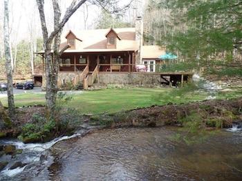 Creekside Paradise in Robbinsville, North Carolina