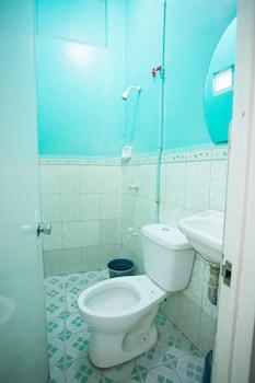 GV Hotel Pagadian - Bathroom  - #0