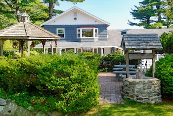 Kittery Inn and Suites - Property Grounds  - #0