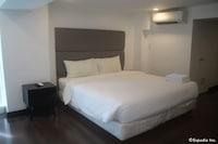 F1 Suites At Fort Palm Spring Taguig
