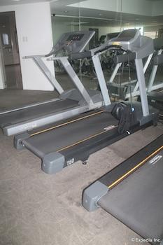 F1 Suites At Fort Palm Spring Taguig Gym