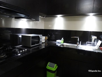 Manila Bay Serviced Apartments In-Room Kitchenette