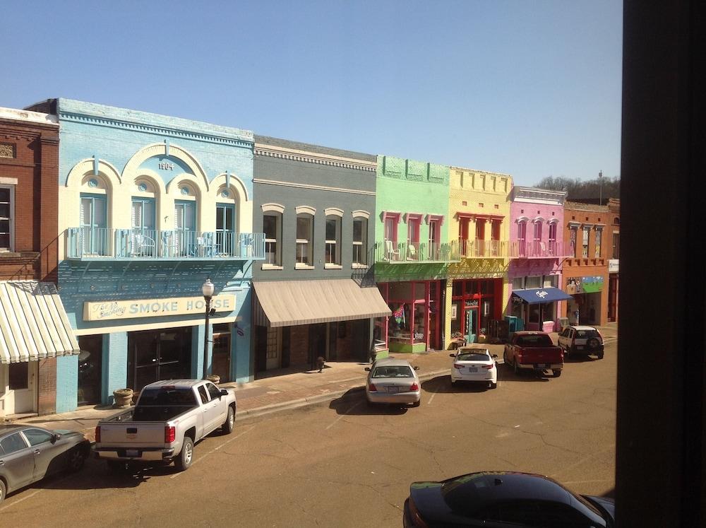 The Main Street Hotel