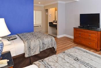 Highlander Motel - Guestroom  - #0