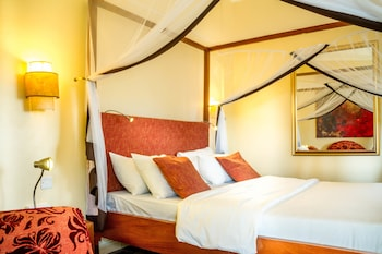 Photo for 2 Friends ENTEBBE Beach Hotel in Entebbe
