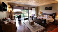 Family Suite, Pool View