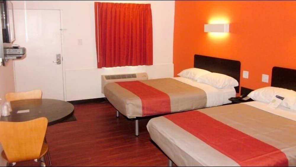 Motel 6 Glassboro - Rowan University