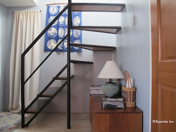 Ethos Bloc Serviced Apartments Cebu Staircase