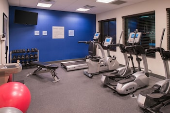 Holiday Inn Express & Suites Bakersfield Airport - Fitness Facility  - #0