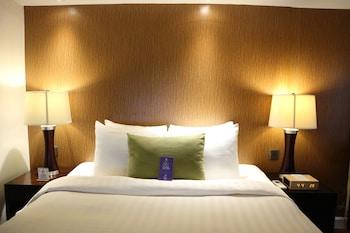 Ferra Hotel Boracay Guestroom