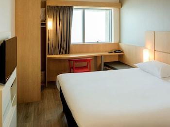 卡塔赫納馬貝拉宜必思飯店