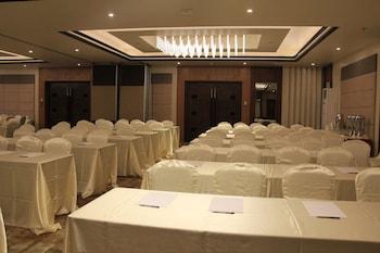 Savannah Resort Hotel Pampanga Meeting Facility