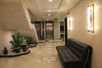 Savannah Resort Hotel Pampanga Lobby Sitting Area