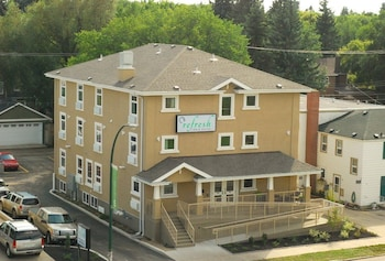 Refresh Inn & Suites