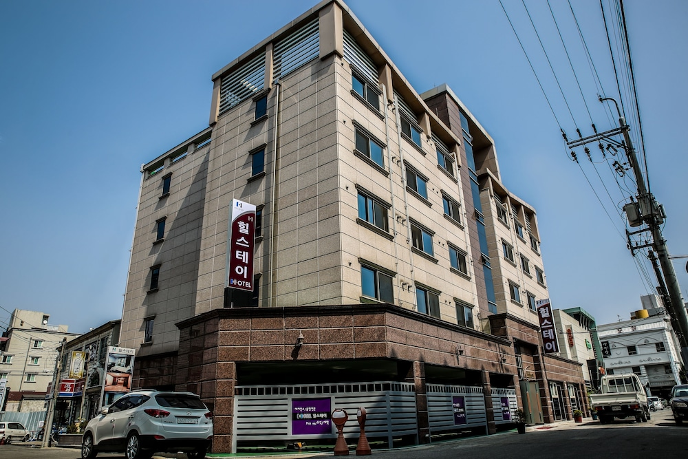 Hill Stay Hotel Residence