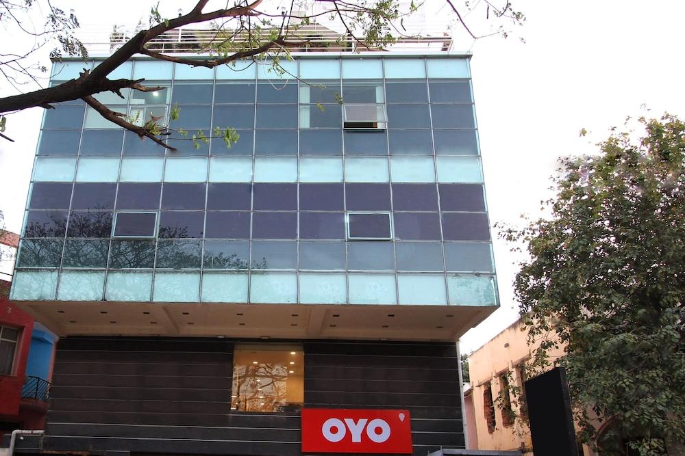 OYO 422 Indira Nagar
