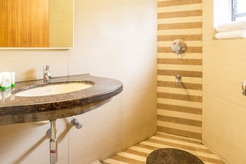 Treebo Sahara - Bathroom  - #0