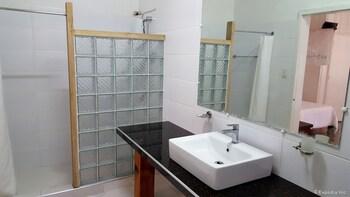 La Casa Bianca Baguio Bathroom Sink