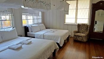 La Casa Bianca Baguio Guestroom