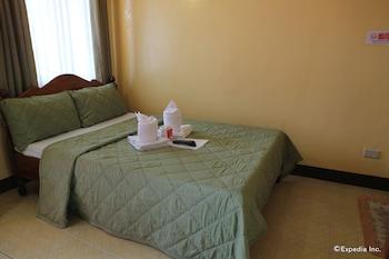 Tres Pension Palawan Guestroom