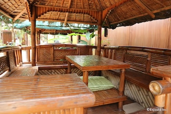 Tres Pension Palawan Gazebo
