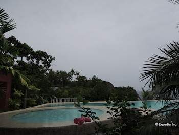 Bunzie's Cove Cebu Outdoor Pool
