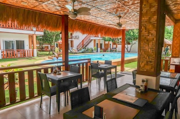 Scent Of Green Papaya Resort Bohol Restaurant
