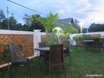 Scent Of Green Papaya Resort Bohol Outdoor Dining