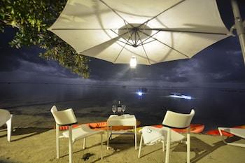 Blue Palawan Beach Club Outdoor Dining