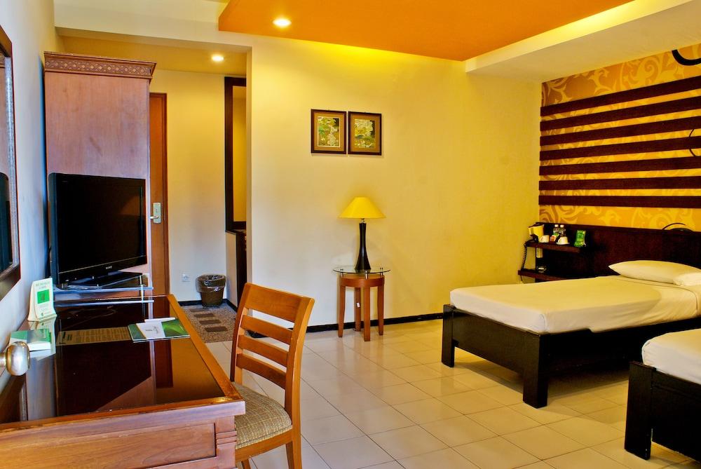 Purnama Hotel Batu Price Address Reviews