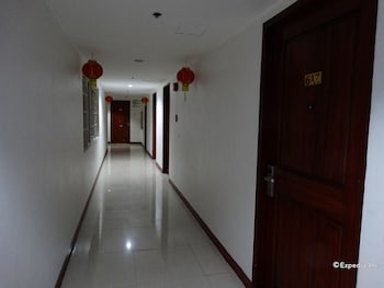 Chinatown Lai Lai Hotel Manila Hallway