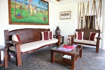 Vida Homes Condo Resort Dumaguete Lobby Sitting Area