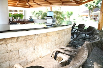 Vida Homes Condo Resort Dumaguete Hotel Bar
