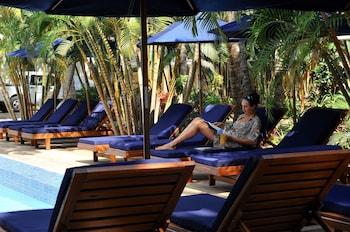 Oasis Palms Hotel