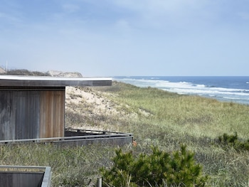 Windward Shores Ocean Resort (516791 undefined) photo