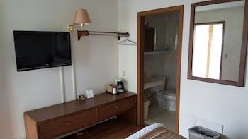 Budget Host Inn - Guestroom View  - #0