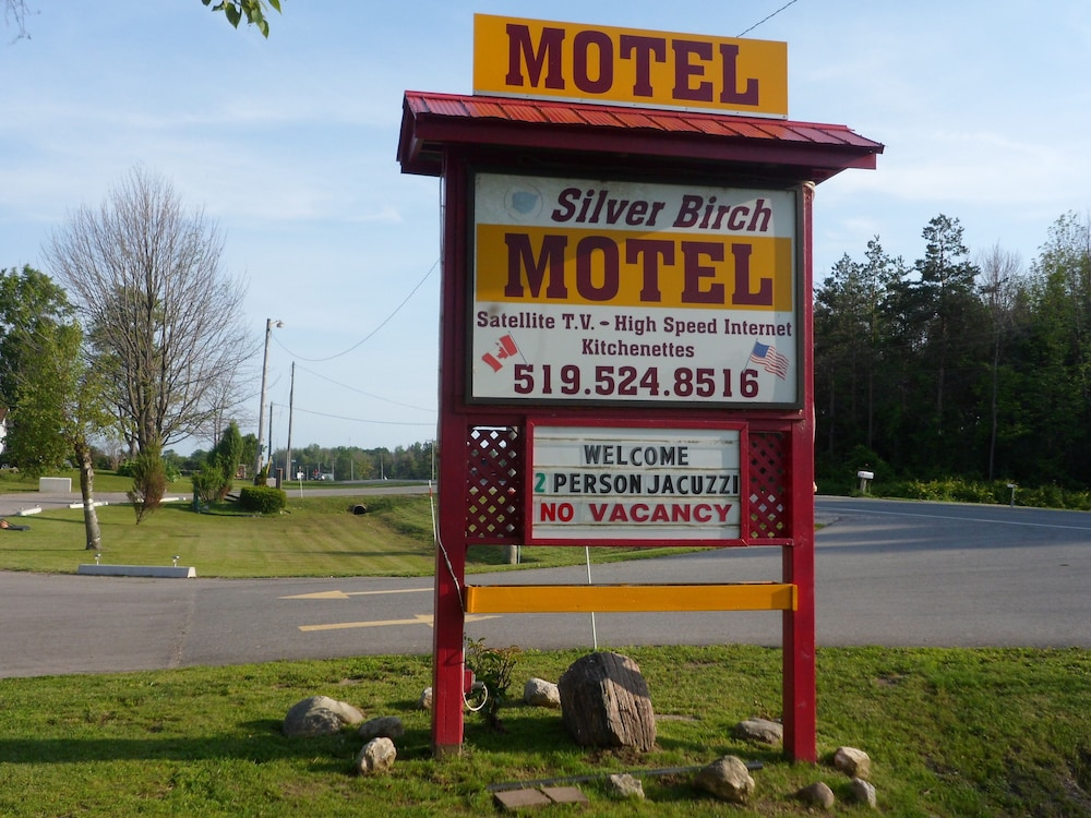 Silver Birch Motel